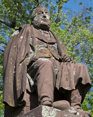 Daniel Russel Monument